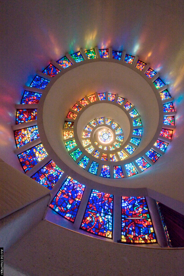 stain-glass-spiral